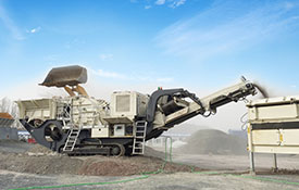 Crawler mobile crusher station